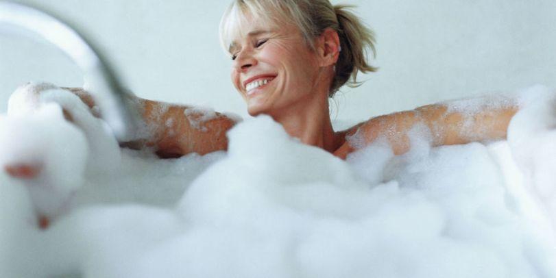 Горячая ванна способна сжигать столько же калорий, сколько и бег