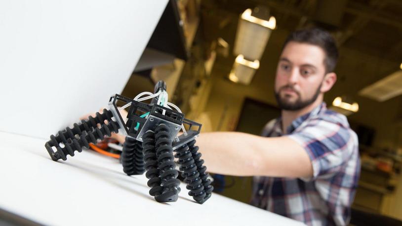 Представлен мягкий робот для спасательных миссий
