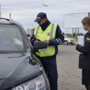 У омских водителей-должников забрали машины прямо на дороге