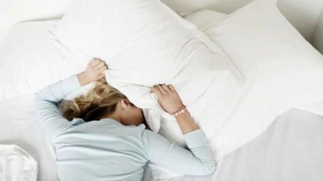 Исследование: чтобы оставаться бодрым на протяжении всего рабочего дня, нужно всегда ложиться спать в одно и то же время
