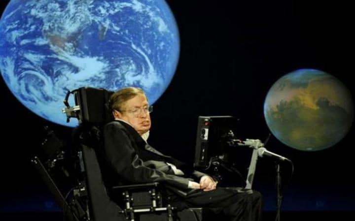 Человеческая раса обречена, если не сумеет колонизировать Луну и Марс