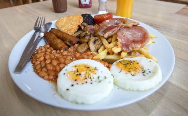 Завтракать лучше с королём, ланч лучше принимать у принца, а ужинать — у нищего