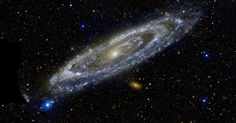 Половина материи вокруг нас происходит из далёких галактик