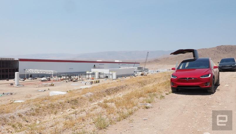 Tesla собирается открыть в США два или три гигазавода