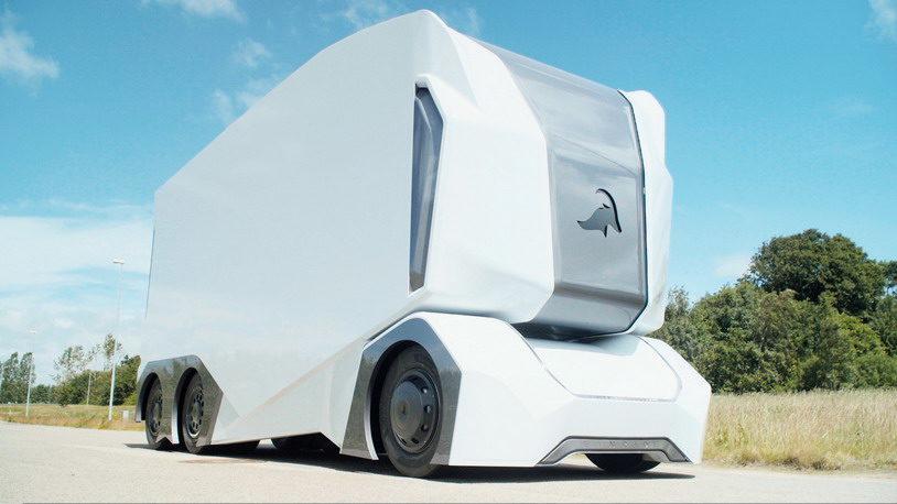 Автономный грузовик компании Einride выглядит как гигантский холодильник на колесах