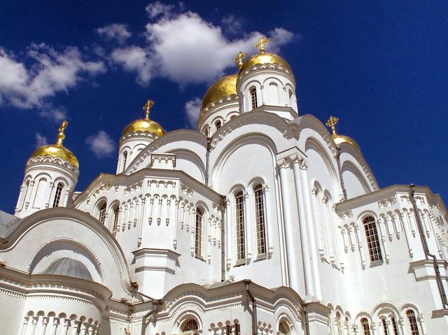 Религиозные взгляды в таких странах как США и Россия связаны с более низкими показателями самоубийств