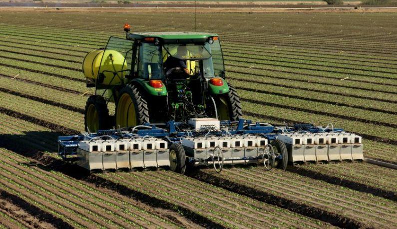 Будущее уже сегодня: Роботы-фермеры делают грязную работу.