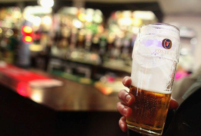 Как тренировка самоосознания может помочь пьющим людям не скатиться до хронического алкоголизма