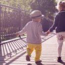 Дети более эффективно извлекают моральные уроки из рассказов о людях