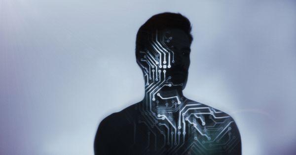 Эксперт: ИИ не вытеснит человека, а сделает его сильнее