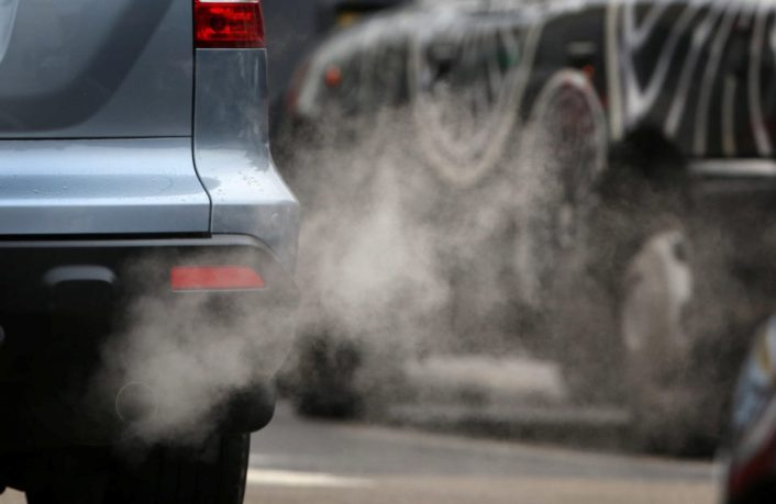 Выхлопные газы повышают риск заболевания остеопорозом