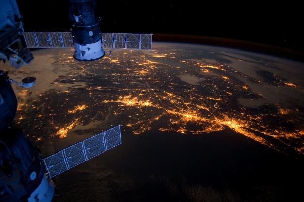 Ночи на планете продолжают становиться всё светлее