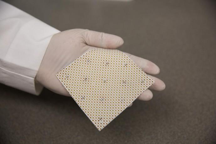 Для борьбы с инфекциями учёные разработали электрически подзаряжаемую повязку