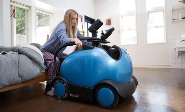 Роботизированная кресло-коляска значительно облегчает жизнь людей с ограниченными возможностями
