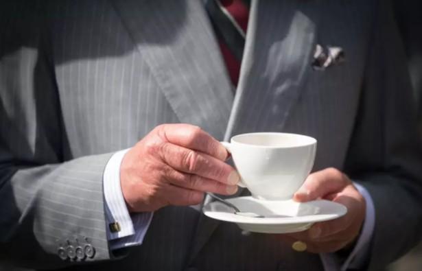 Потребление горячего чая увеличивает риск развития рака у пьющих и курильщиков