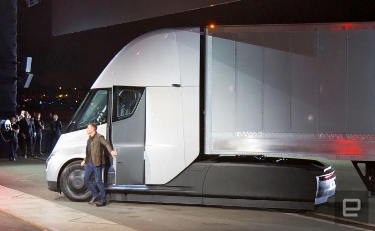 Электрические грузовики Tesla могут оказаться более экономичными, чем ожидалось