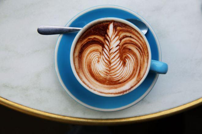 Учёные используют кофеин для управления генами — и лечат мышей от диабета с помощью кофе