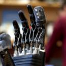 Электронная кожа позволяет людям с отсутствующей конечностью чувствовать протез как живой