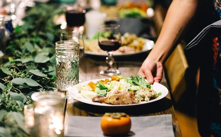Мысленный настрой во время планирования меню влияет на здоровый выбор пищи и на реакцию мозга на еду