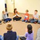 Коммуникативные способности лучше развиваются в группах, где навыки общения участников находятся на сходном уровне