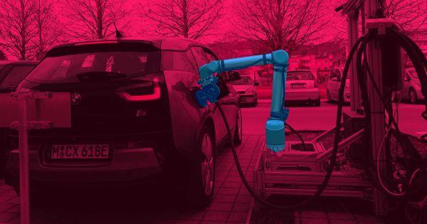Кто будет заряжать беспилотные электромобили? Возможно, вот этот робот