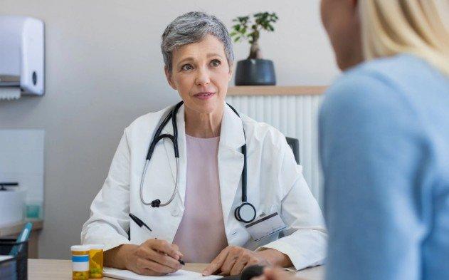 У женщин больше шансов выжить в случае инфаркта, если их лечащий врач — женщина