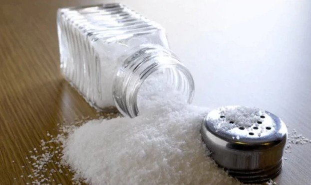 Потребление соли в два раза больше рекомендованного ВОЗ максимума может быть безопасным