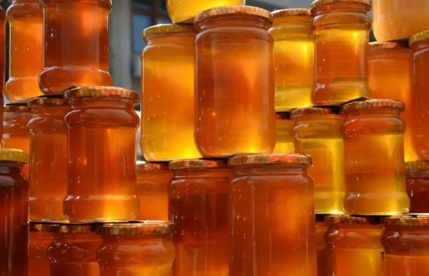 Медики рекомендуют принимать от кашля вместо антибиотиков мёд