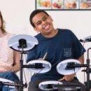 Ученые обнаружили, что игра на барабане помогает детям, у которых диагностирован аутизм