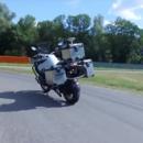 В рамках программы по повышению безопасности гонщиков компания BMW разработала самоуправляемый мотоцикл