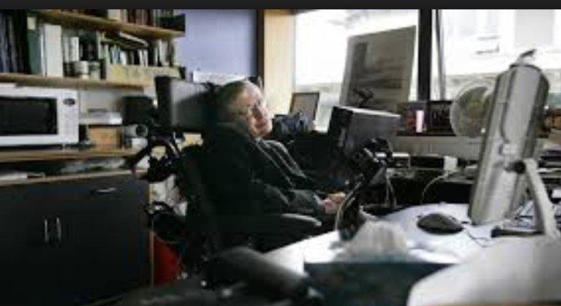 Мнения экспертов о любопытных предсказаниях Стивена Хокинга