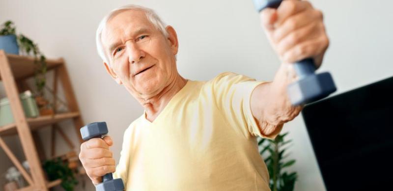 Частые легкие физические нагрузки типа «встать и пройтись» продлевают жизнь людей с сердечно-сосудистыми заболеваниями