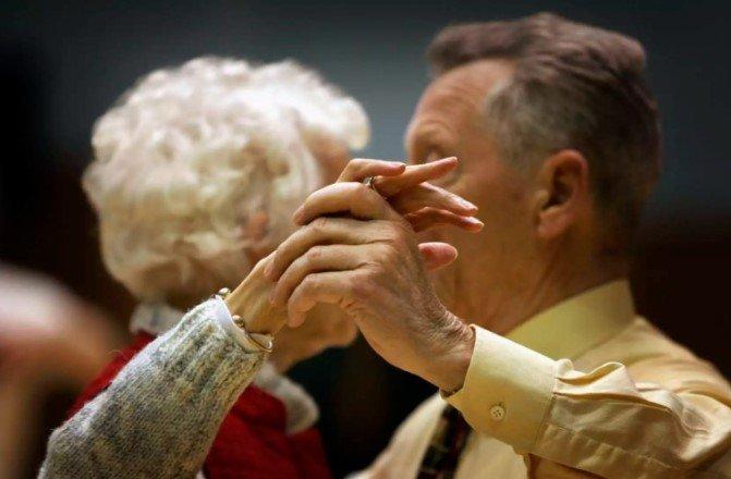 Продолжительность жизни не так уж зависит от генов, считают учёные