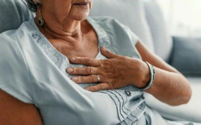 Женщины, ведущие нездоровый образ жизни, больше рискуют стать жертвой сердечного приступа, чем мужчины с аналогичными привычками