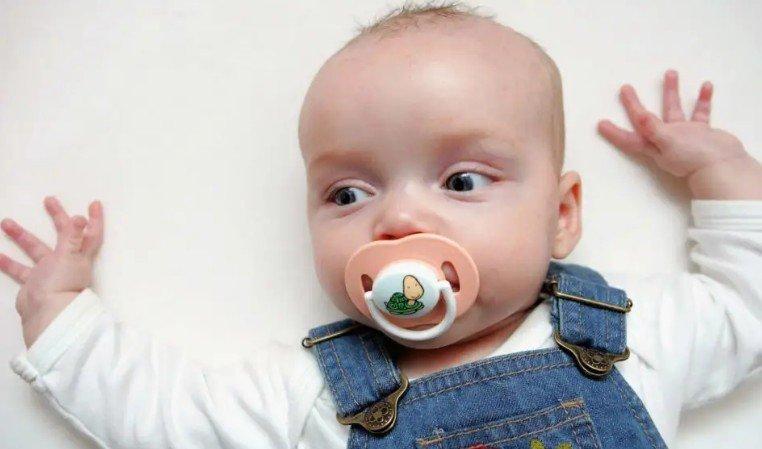 Облизывание мамой соски ребёнка помогает предотвратить у него появление аллергии