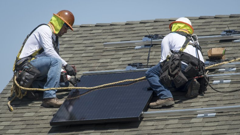 В США впервые внедрены новые строительные нормы, требующие обязательной установки солнечных панелей в новых домах