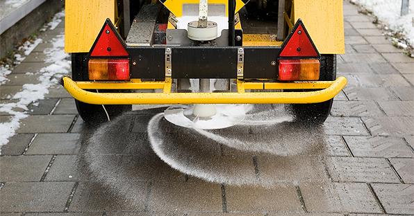 Применение соли в качестве дорожного антиобледенителя ведёт к опасным последствиям