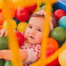Исследование: пластиковые шарики в сухих детских бассейнах, как правило, сильно загрязнены микроорганизмами