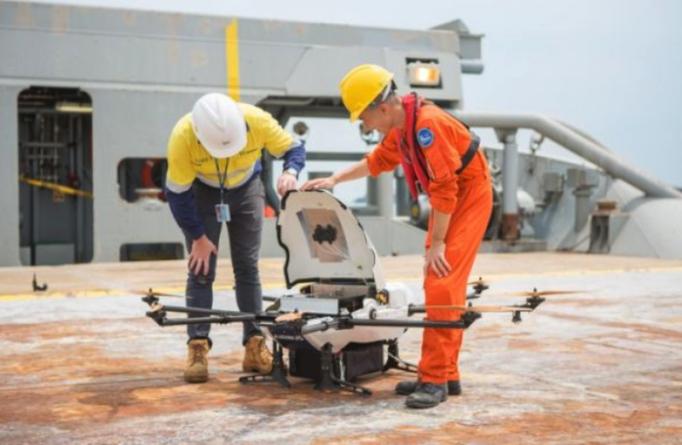 Начаты коммерческие испытания первой в мире беспилотной службы снабжения по маршруту берег- судно